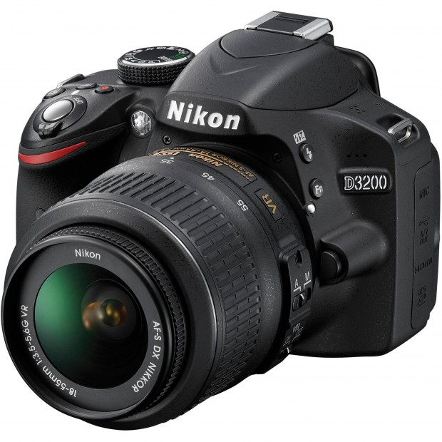 Hot Deal – Refurbished Nikon D3200 w/ 18-55mm Lens for $279 !