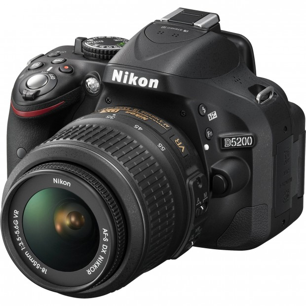 Live Again – Nikon D5200 w/ 18-55mm Lens for $399 !