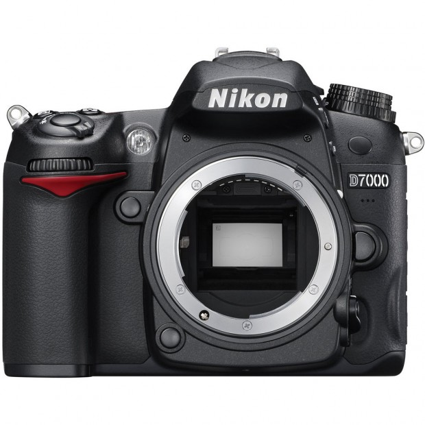 <del>Hot Deal – Refurbished Nikon D7000 for $569 !</del>