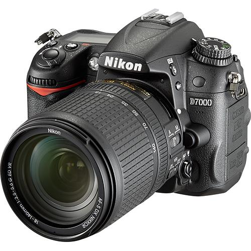 Nikon D7000 w/ 18-140mm Lens for $629 at Best Buy