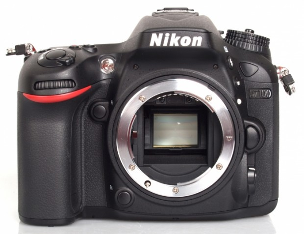 Hot Deal – Nikon D7100 for $697 !